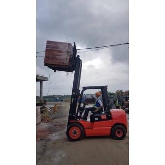 Xe nâng EP Hàng Châu 3 tấn